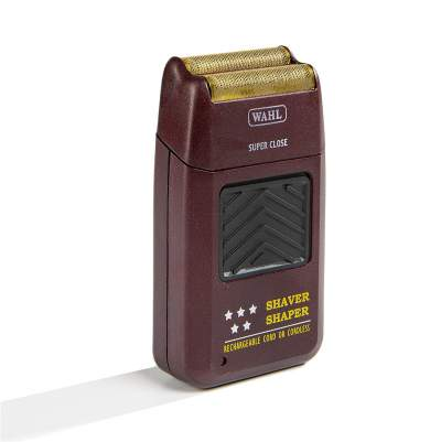 Wahl Professional 5-Star Series Rechargeable Shaver 8061 for minimal razor burn